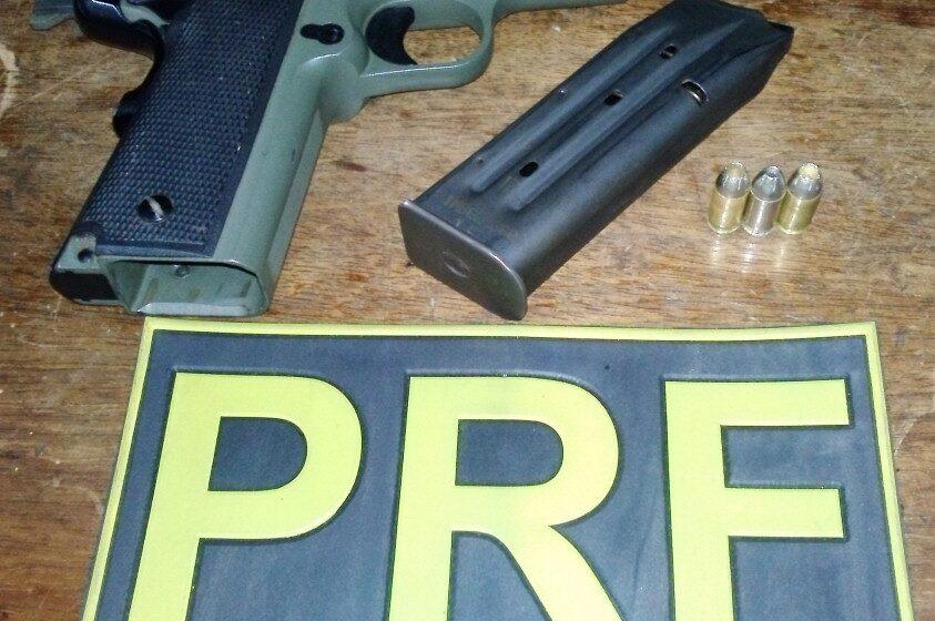 Polícia Rodoviária Federal apreende arma de fogo com motorista alcoolizado