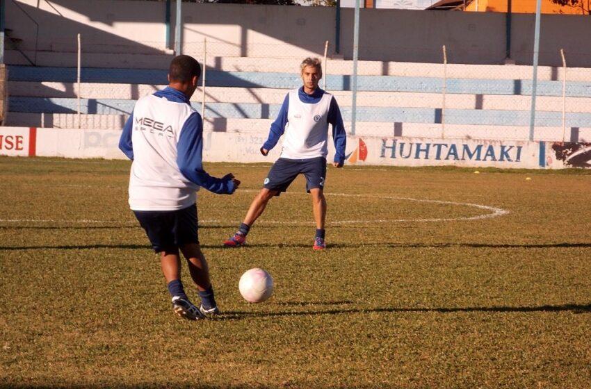 Ricardo Maria chega e já treina no Altos da Glória