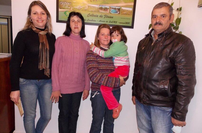Associadas do Sindisaúde de Vacaria ganham prêmio em dinheiro