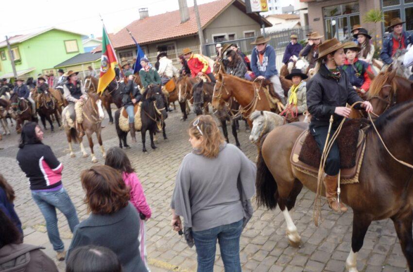 Mais uma Cavalgada da Paz do Colégio Zezinho
