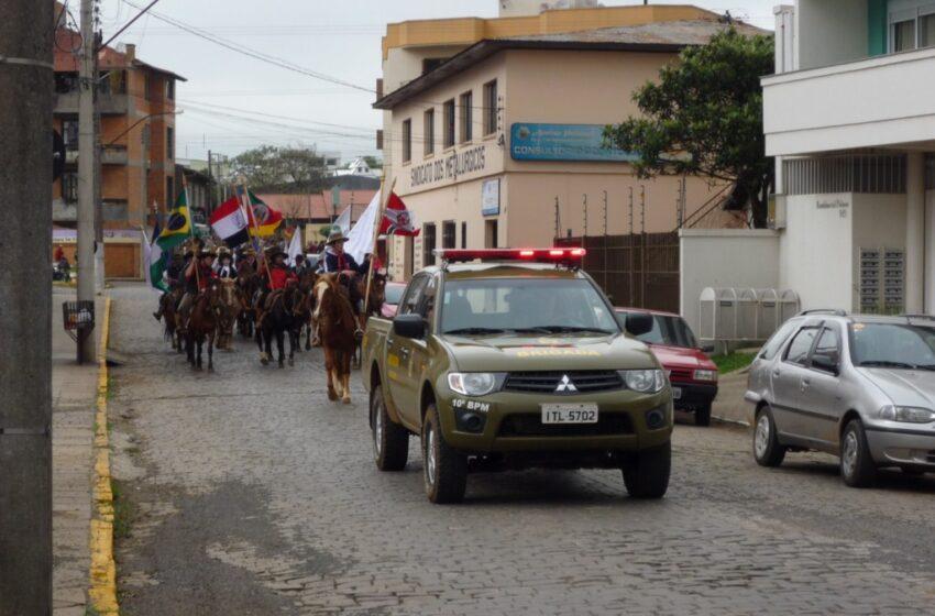 Cavalgada da Paz do Zezinho movimentou as ruas da cidade