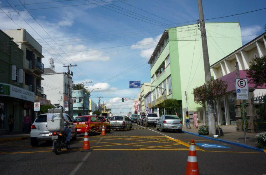 Sinal de alerta no semáforo da Júlio com Atílio Giuriolo na próxima semana