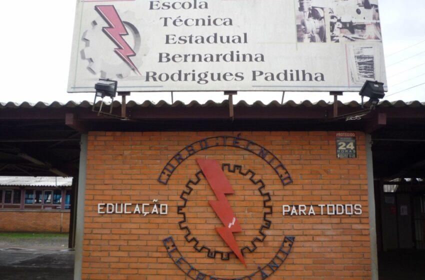 Escola Dina Padilha vai inaugurar galeria de ex-diretores