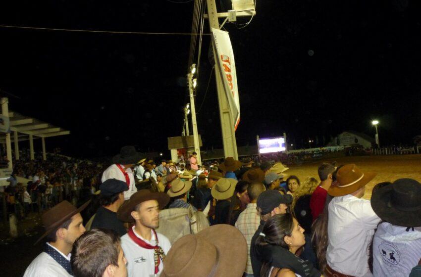 Cancha da Ferradura recebeu mais de 20 mil pessoas nesta sexta-feira
