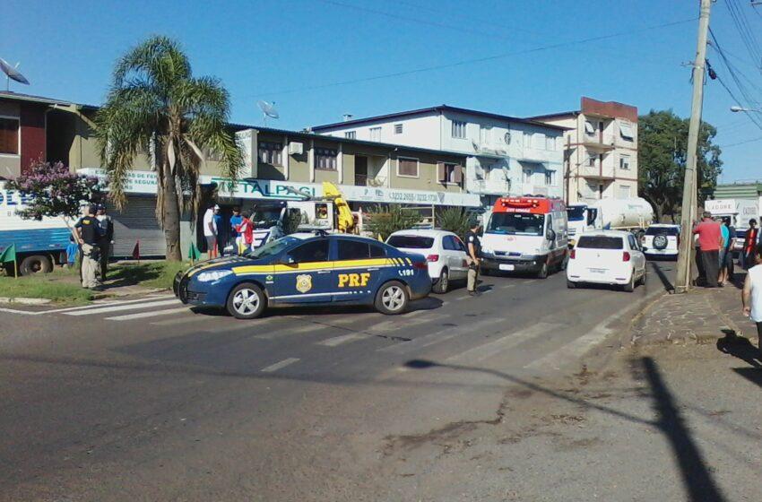 Idosa é atropelada por veículo na Rotatória da Júlio com Militar