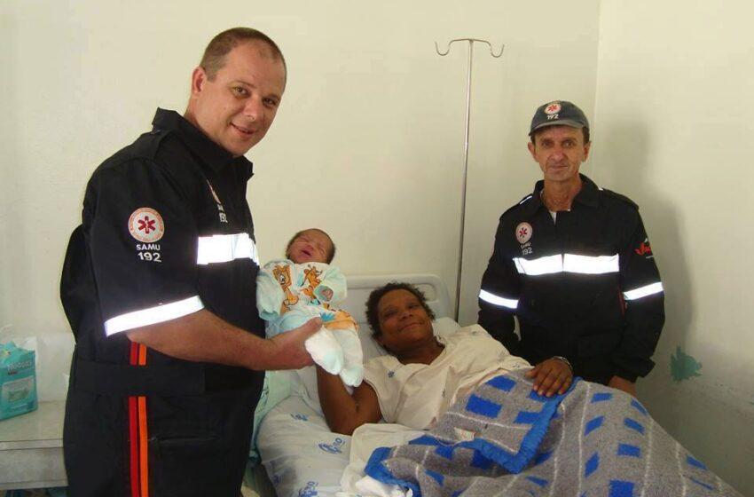 Criança nasce a caminho do hospital