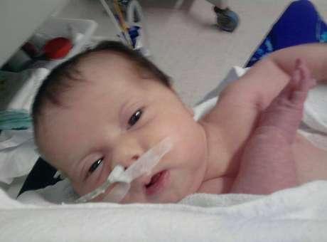 SP: bebê com síndrome rara ganha transporte para os EUA