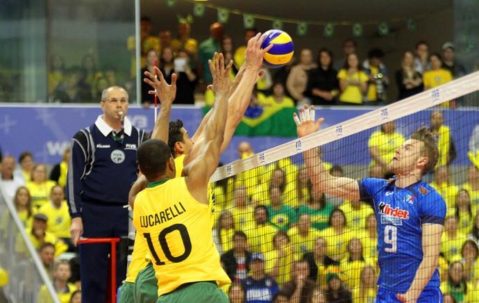 Com 23 pontos de Zaytsev, Itália bate o Brasil de novo na Liga Mundial