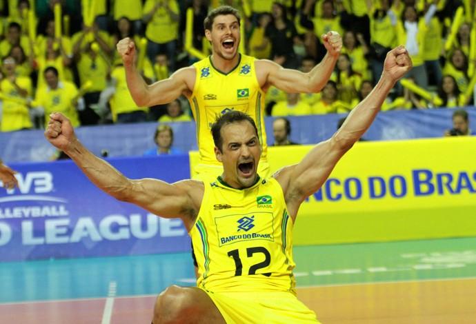 Em dia de Lipe, Brasil se redime e vence a Polônia na Liga Mundial