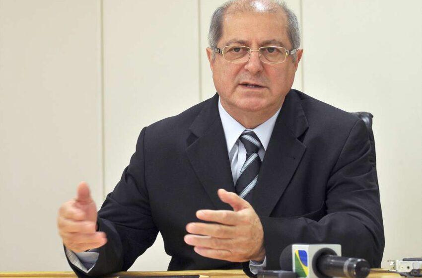 Ministro admite que internet deve apresentar lentidão em estádios da Copa