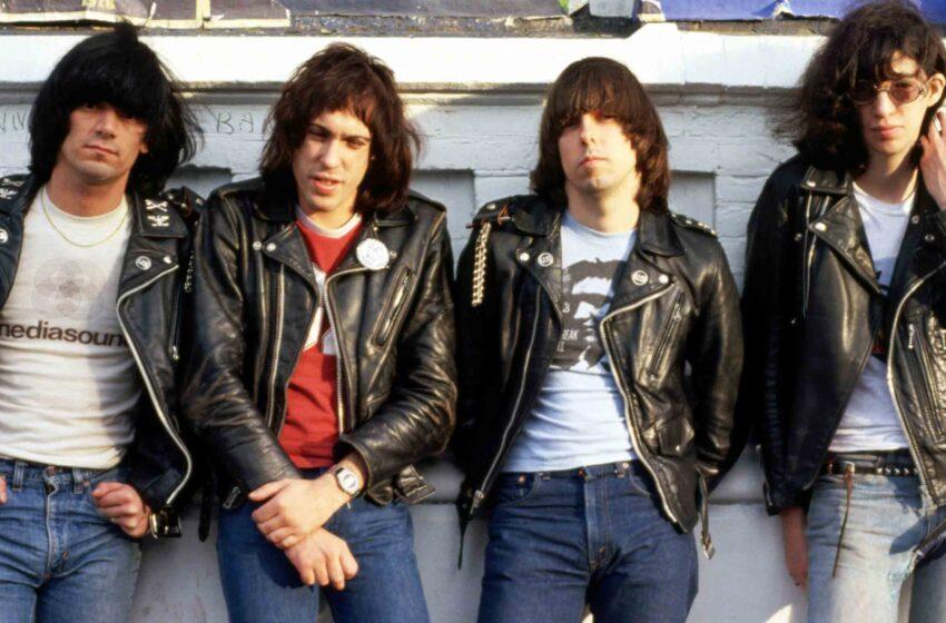 Depois de 38 anos, Ramones ganha disco de ouro por primeiro álbum