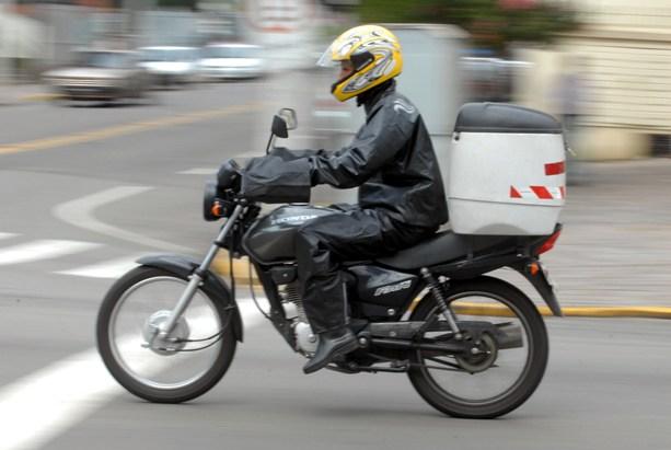 Dilma sanciona nesta quarta adicional de 30% para quem trabalha com moto