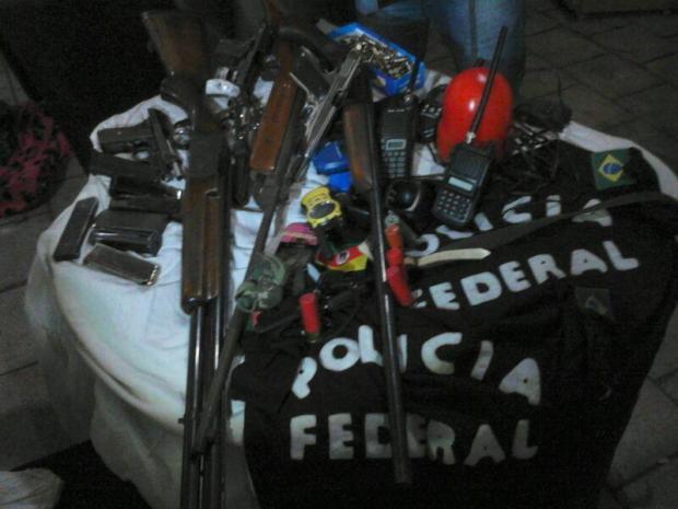 Policiais e criminosos trocam tiros em Sapiranga