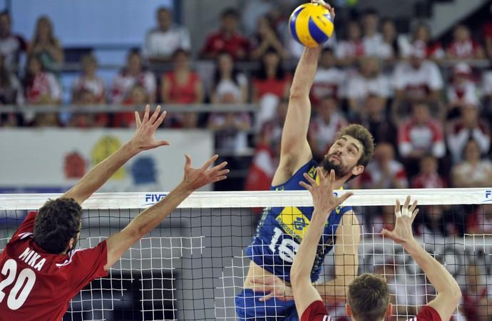 Brasil enfim joga bem, vence a Polônia e ganha sobrevida na Liga Mundial