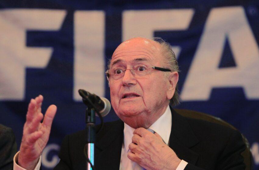 Blatter pretende tirar a Copa de 2022 do Qatar, diz jornal
