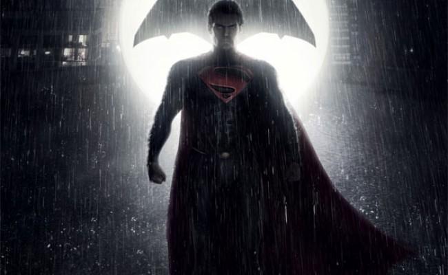 """'Batman v Superman': Diretor diz que filme será """"espesso, denso e épico"""""""