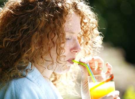 Sucos podem levar crianças à obesidade e diabetes