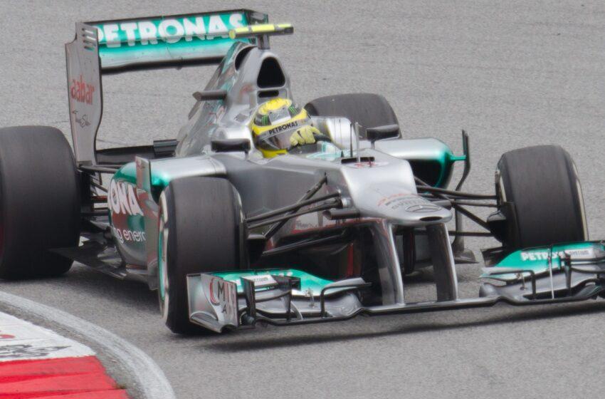 Nico vence em casa e Hamilton escala pelotão para ser o 3º. Massa capota