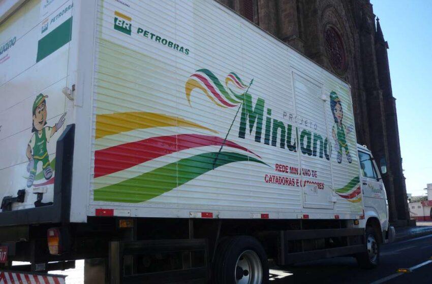 Projeto Minuano de Vacaria recebe caminhão e prensa