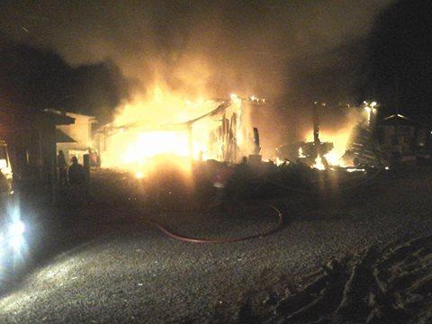 Incêndio destrói madeireira no bairro Monte Claro