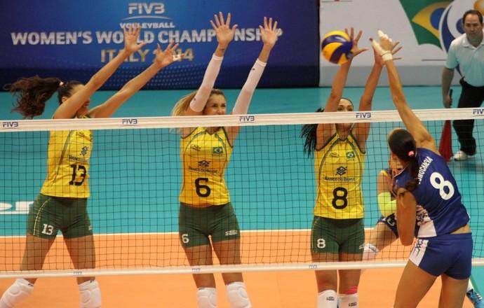 Vibrante, Brasil atropela a Rússia para mostrar quem manda no Grand Prix