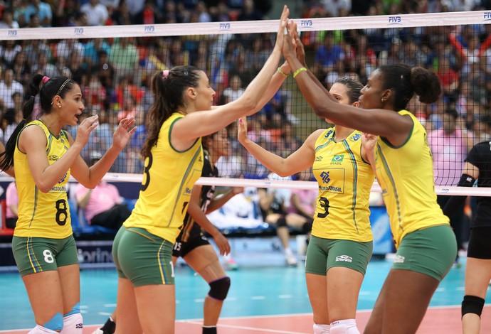 Brasil bate a Tailândia e encerra 1ª fase do Grand Prix com 100% de eficiência