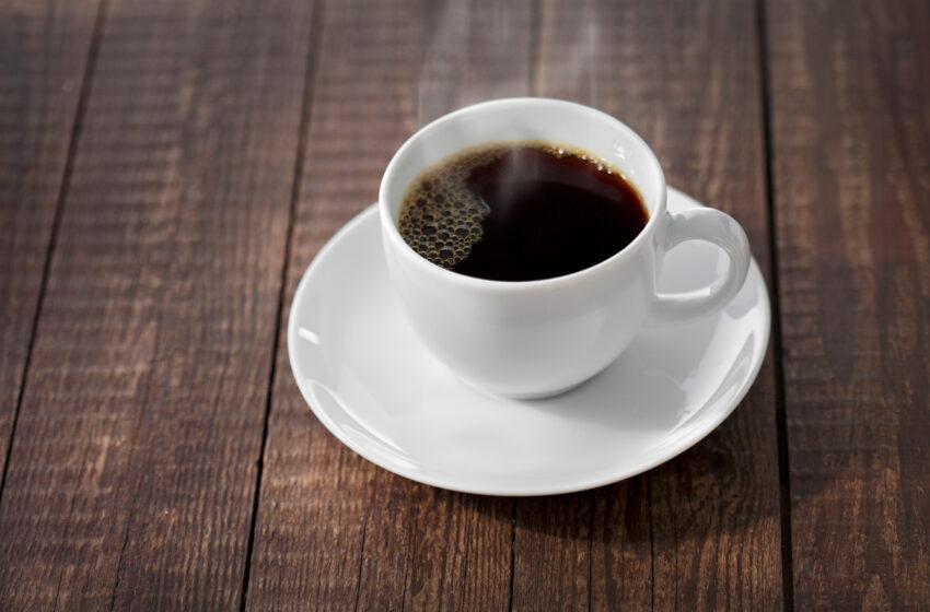 Excesso de café na gravidez pode aumentar risco de leucemia