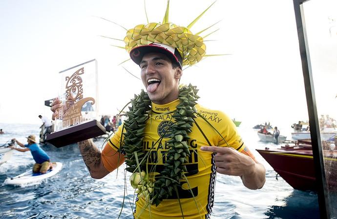 Medina vence Slater por 3 centésimos de diferença e leva o WCT do Taiti