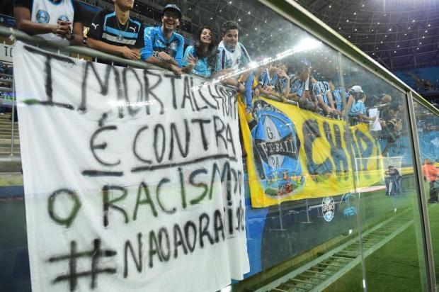 Depois de atos racistas, Grêmio suspende atividades da torcida Geral