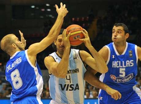 Argentina cai para Grécia e reeditará mata-mata com Brasil
