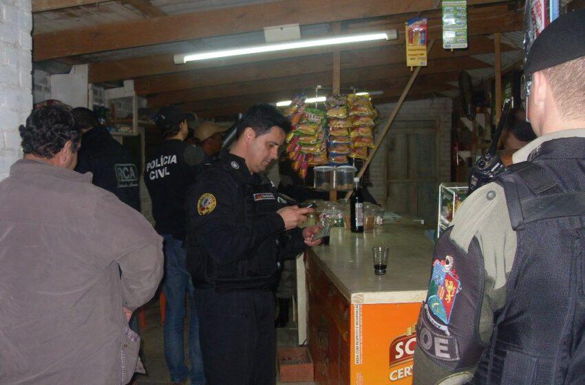 Polícia Civil e Brigada Militar realizam fiscalização em bares de Vacaria