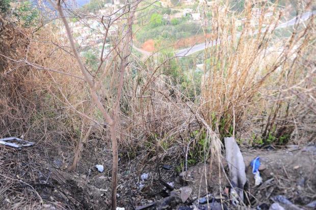 Adolescente encontrada em matagal foi atacada no caminho para o trabalho em Caxias do Sul