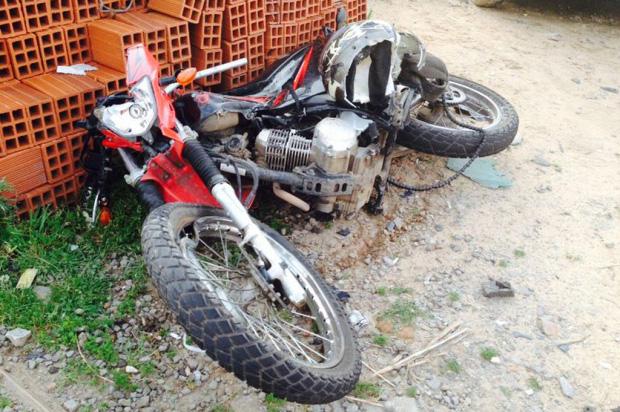 Acidente entre moto e carreta mata motociclista vacariano na ERS-122, em Farroupilha