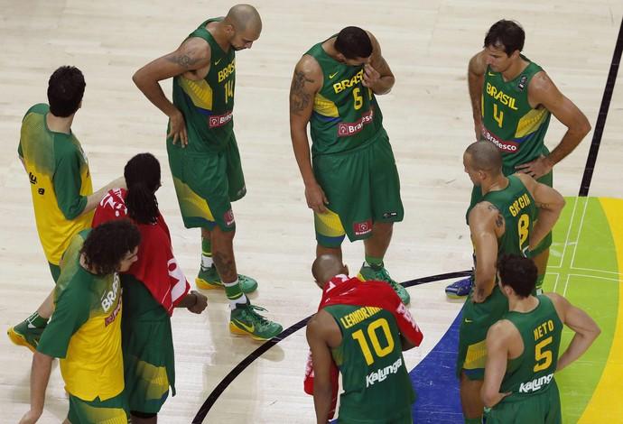 Em noite de Teodosic, Sérvia acaba com sonho de medalha do Brasil