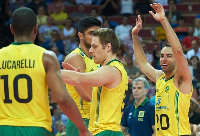 Brasil domina a Bulgária e mantém invencibilidade no Mundial de vôlei