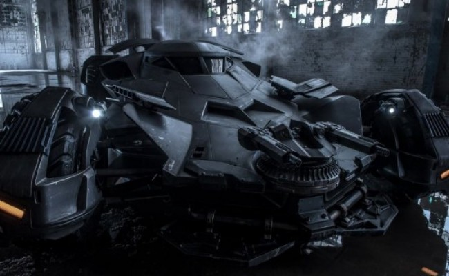 Batmóvel é roubado do set de 'Batman v Superman'!