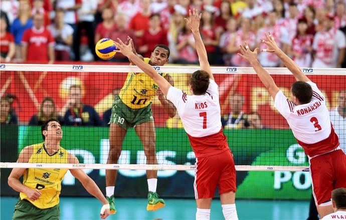Brasil não resiste à Polônia, sofre sua 1ª derrota e se complica no Mundial