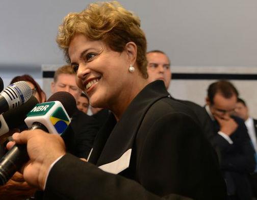 Dilma confirma correção de 4,5% na tabela do Imposto de Renda