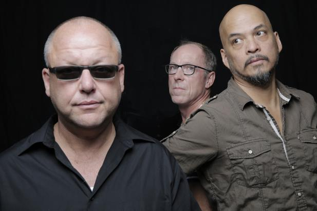 Pixies anuncia novas canções e organiza turnê pelos EUA