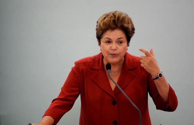 Dilma se reúne com ministros em meio ao clima de tensão