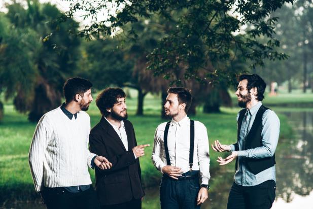 Tópaz lança disco colaborativo para ajudar no tratamento de vocalista
