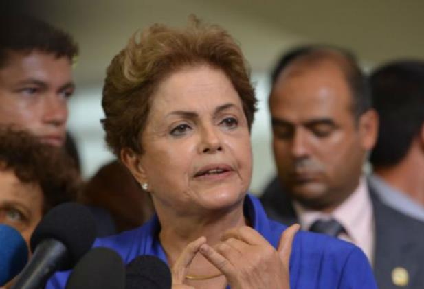 Dilma diz que não tem o menor interesse em restringir manifestações