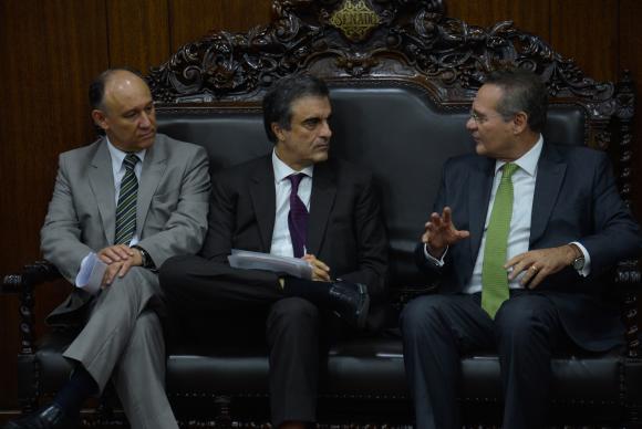 Ministros levam propostas de combate à corrupção ao Senado