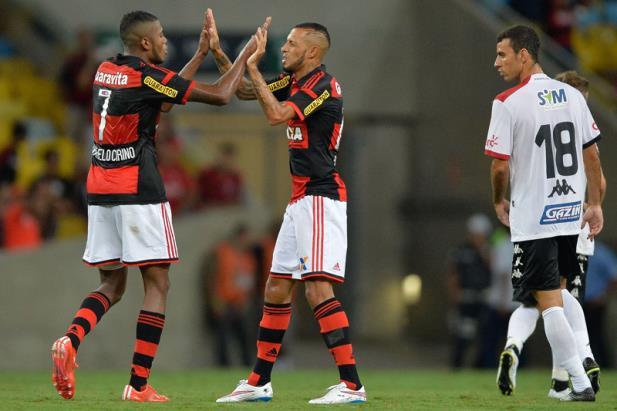 Brasil-PEL perde para o Flamengo e está fora da Copa do ...