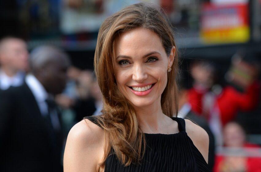 Retirada de ovários de Angelina Jolie é opção recomendada por especialistas