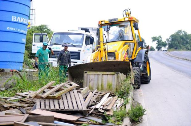 Prefeitura recolhe 110 toneladas de resíduos em casas da Rota do Sol, em Caxias