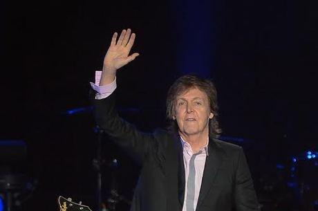 """Paul McCartney afirma que compõe suas músicas """"no banheiro"""""""