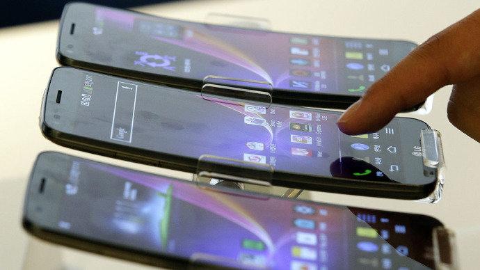 Venda de smartphones sobe 55% no Brasil em 2014