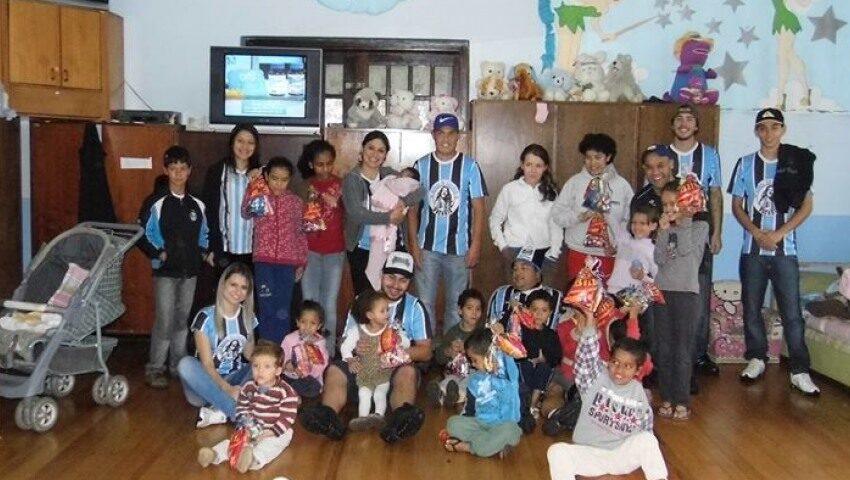 Grupo de amigos da Geral do Grêmio de Vacaria realizou a Primeira Páscoa Solidária