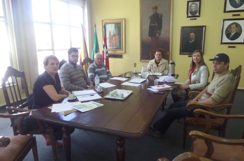 Reunião define realização da Campanha do Agasalho 2015